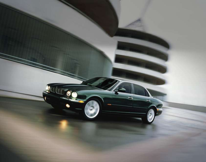How do you make the Jaguar XJ even better? - AutoSpies ...