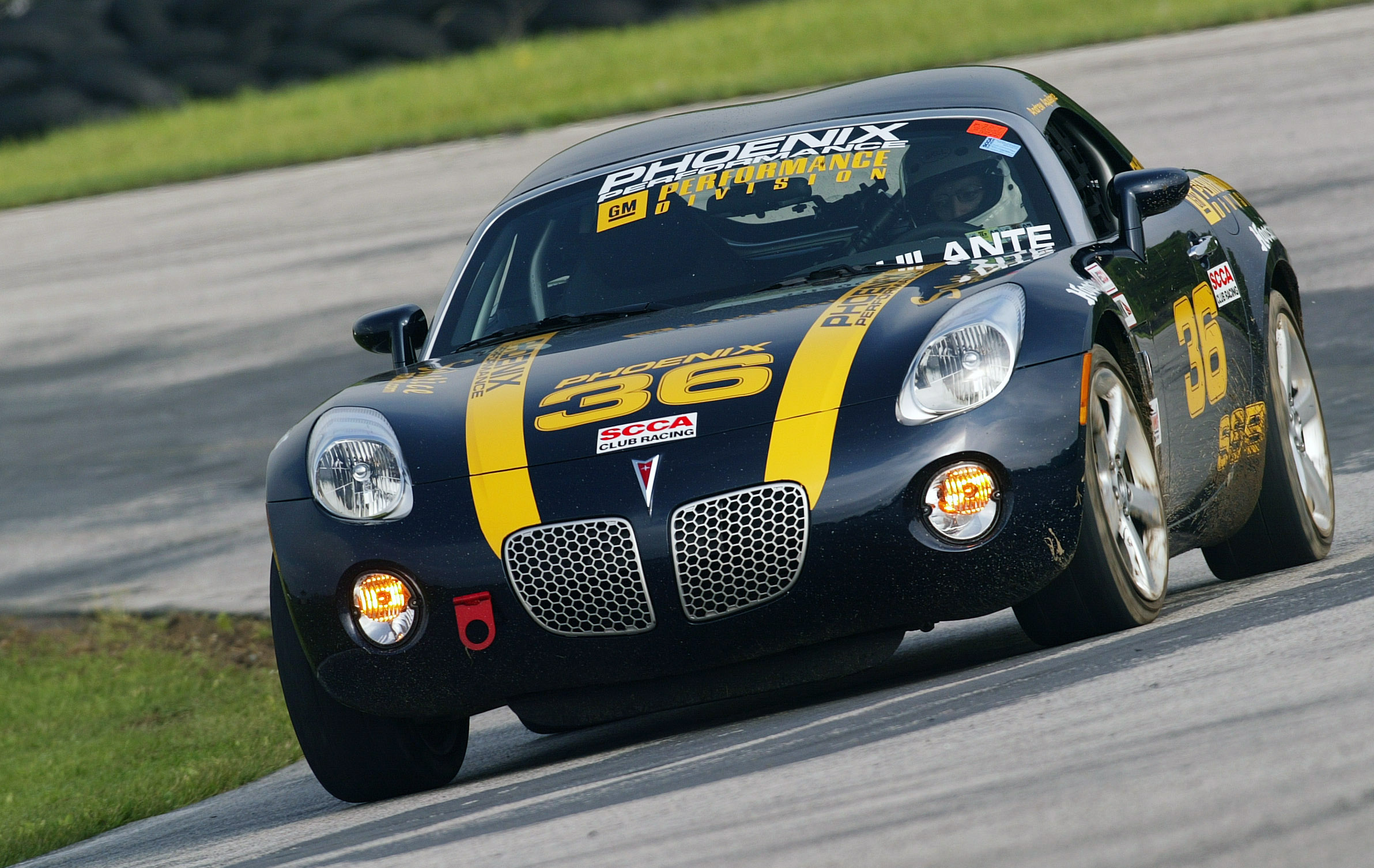 Pontiac solstice wins again in scca racing at lime rock autospies auto news