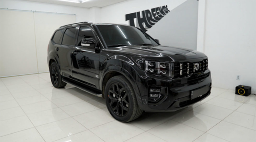 does the 2021 kia telluride have a black future? and when