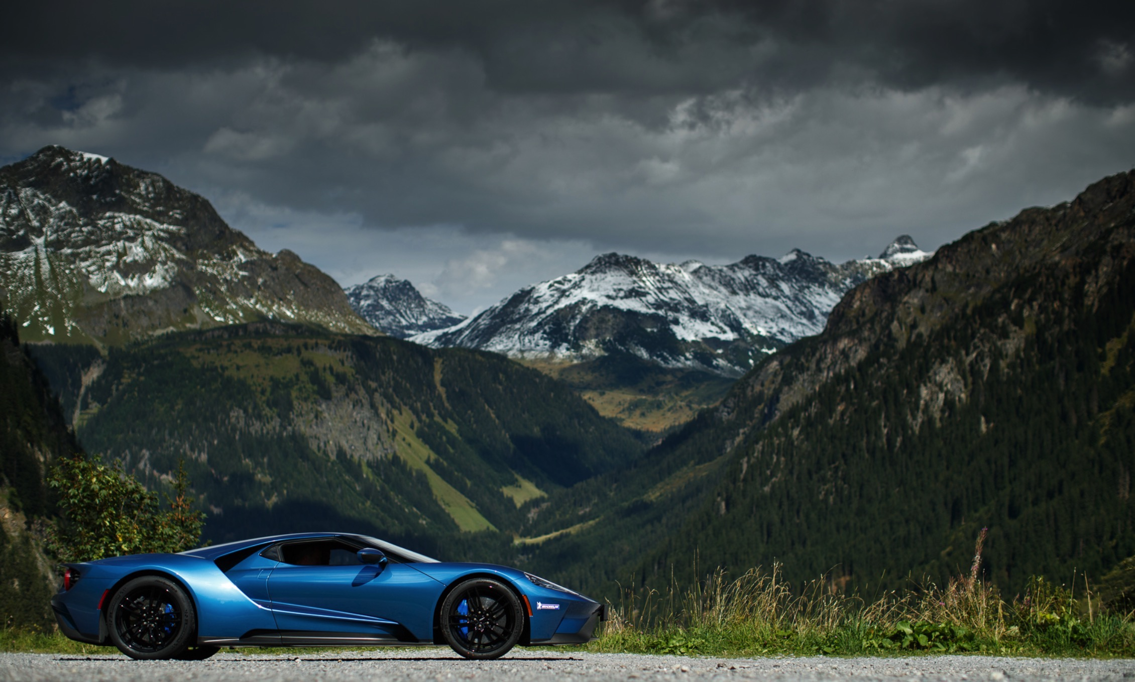PHOTO GALLERY + VIDEO: Ford GT Meets Amazing Roads And ...