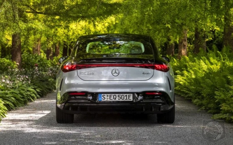 2022 Mercedes Benz EQS First Drive Review Give Us ONE Reason Why Anyone Would Buy This Over A Tesla Waiting