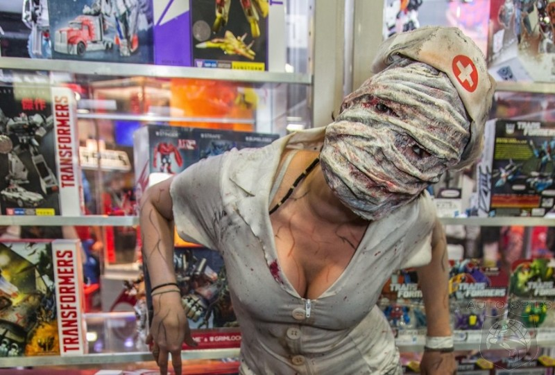 EXCLUSIVE- Spies Catch The Last Bit Of FREAKINESS, HORROR and The BIZZARE At Comic-Con! Some NSFW