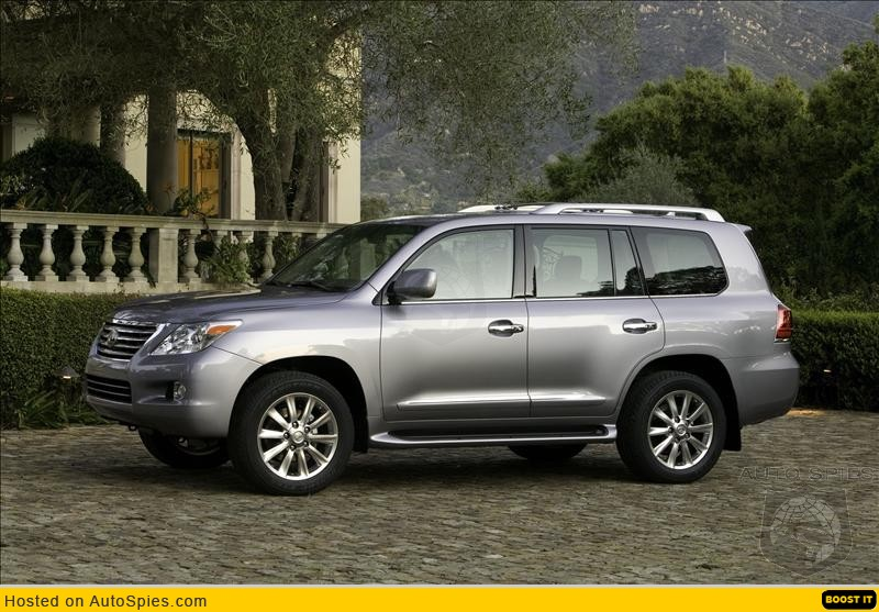 NEW YORK AUTO SHOW: The 2008 Lexus LX 570 Sports a New Look