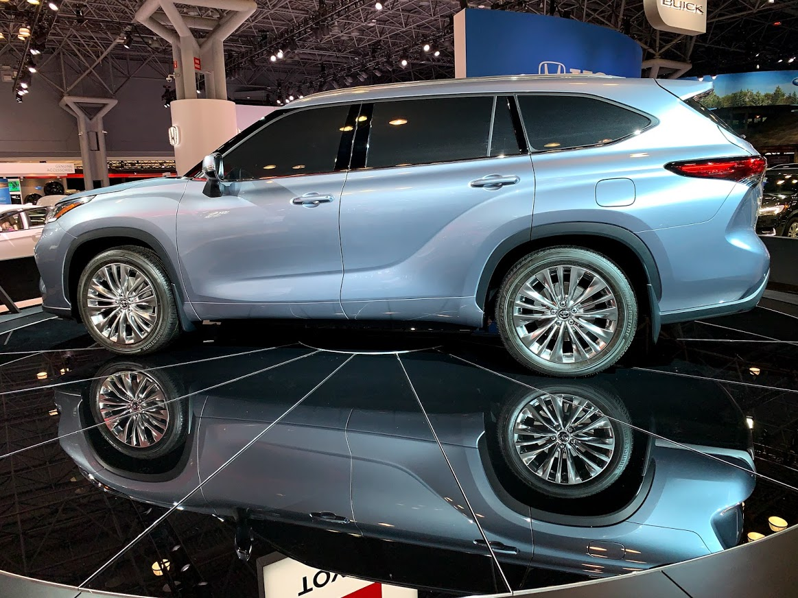 2006 Toyota Highlander Hybrid >> #NYIAS: First Shots! Toyota Brings The Athletic 2020 ...
