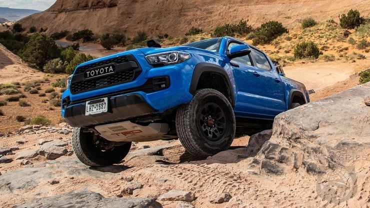 Should You Pick A Tundra TRD Over A Raptor?