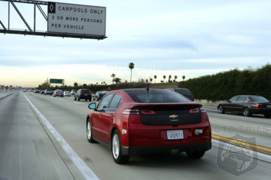 California Considers Extending HOV Access To Single Drivers In Green Cars Until 2025