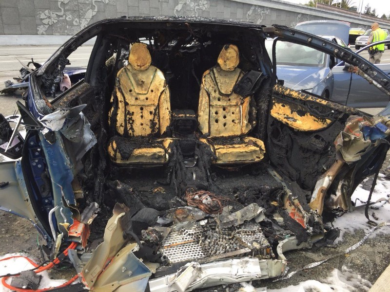 Battery Fire After Fatal Model X Crash Takes 35 Firefighters To Extinguish