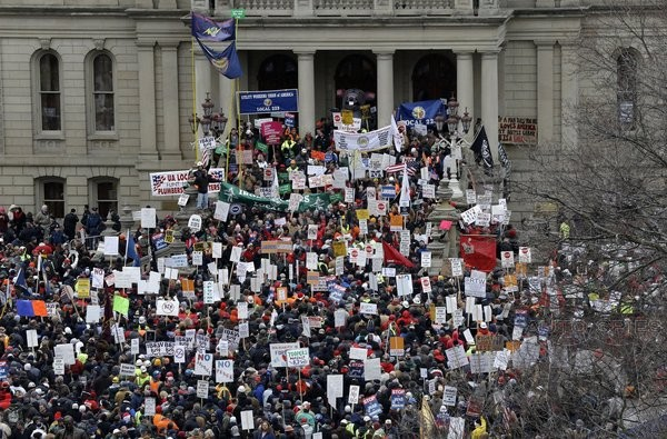 12,000 Protest Having The Ability To Choose Between Union Or Non Union In Michigan