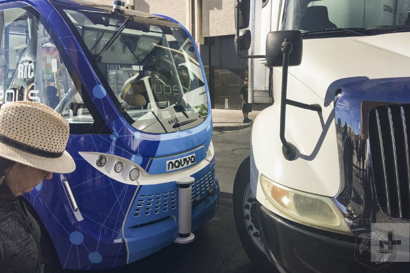 Las Vegas Self Driving Bus Didn't Know How To Avoid Accident