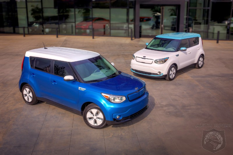 CHICAGO AUTO SHOW: 2015 Kia Soul EV Charges To Center Stage Boasting 100 Mile Range