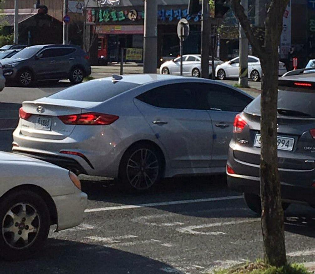 SPIED On The STREET! All-New Hyundai Elantra Sport Model