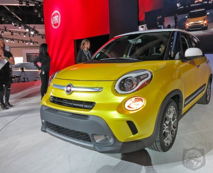 LA AUTO SHOW: 001 Gets A CLOSER Look At Fiat's 500L - Is It A STUD or a DUD?