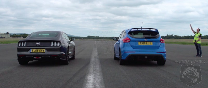 car wars sibling rivalry ford 39 s two high performance vehicles go head to head focus rs vs. Black Bedroom Furniture Sets. Home Design Ideas