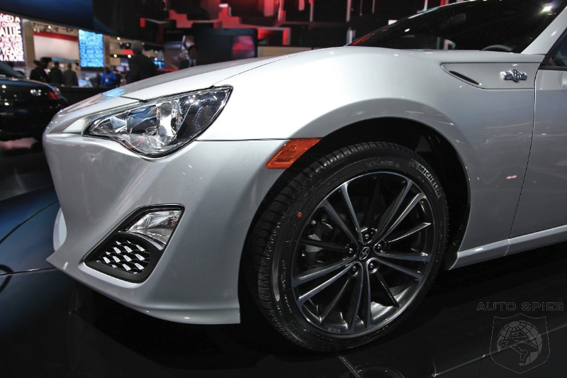DETROIT AUTO SHOW: Subaru BRZ vs. Scion FR-S - Can You Spot The Difference(s)?