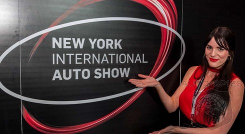 #NYIAS: The BEST of the BEST — It Doesn't Get Much HOTTER Than These Pics From The New York Auto Show