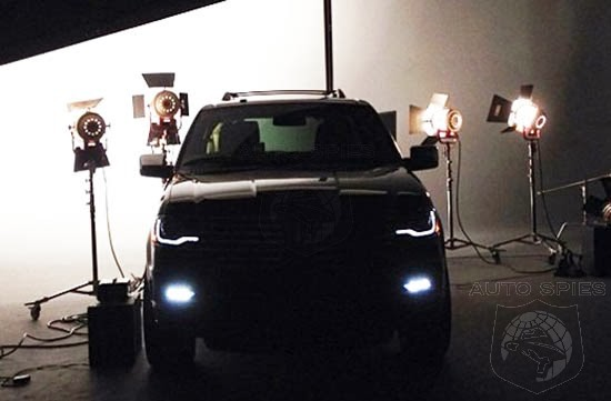 FIRST Pics Of The All-New Lincoln Navigator Slip Out — Is It A STUD or a DUD?