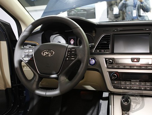 stud or dud is the 2015 hyundai sonata 39 s interior hot hot. Black Bedroom Furniture Sets. Home Design Ideas