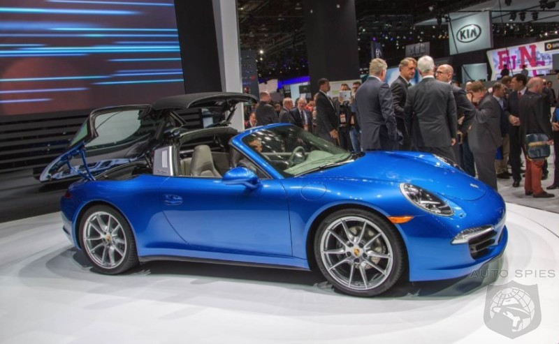 DETROIT AUTO SHOW: FIRST Snaps AND VIDEO Of The Porsche 911 (991) Targa's Top IN USE — You'll Want To See This