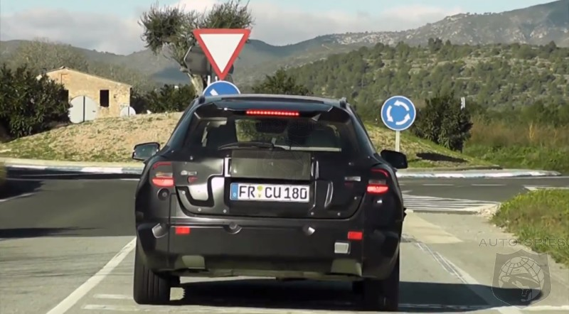2014 Mercedes GLA Caught on Video