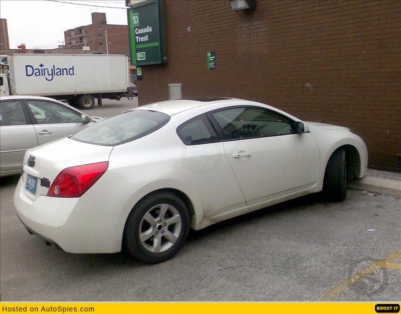 Nissan altima coupe 2008 white