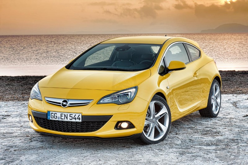 2012 Opel Astra GTC is here! Would you buy it with a Buick badge?